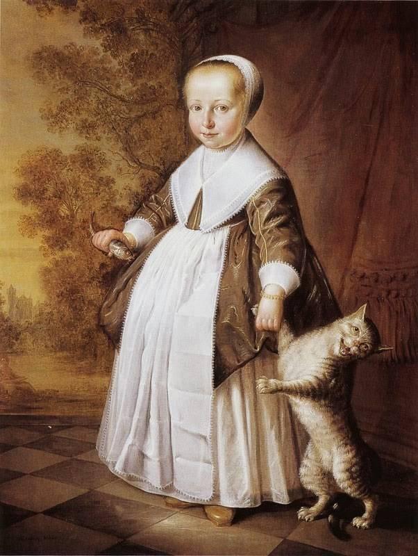 Четырехлетняя девочка с кошкой и рыбкой